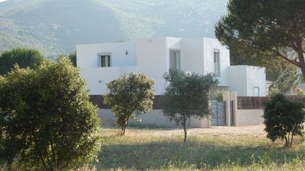 VILLA ALYSSE - 4 bedrooms - sleeps 8 to10 - CALVI